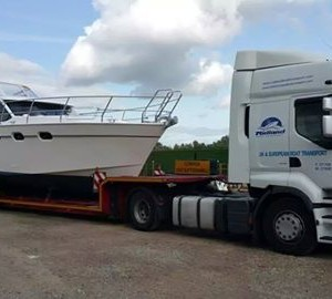The A405 arrives at Norfolk Boat Sales